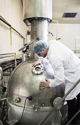 Metiers Extraction arômes fabrication usine LA PATELIERE