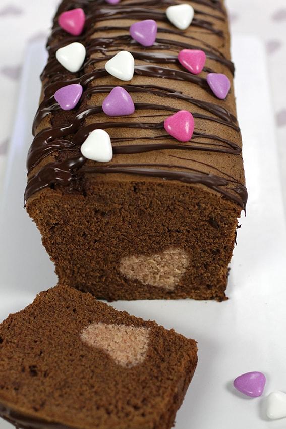 Cake surprise chocolat coco coeur inséré recette LA PATELIERE