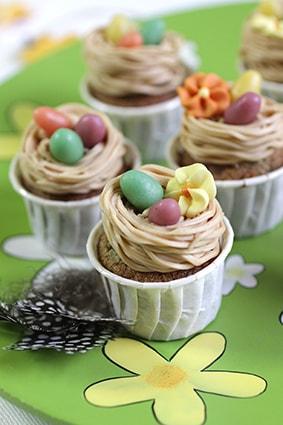 Petites meringues Nids d'oiseau recette Pâques LA PATELIERE