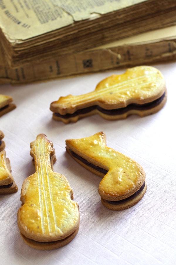 Biscuits musique chocolat noisettes recette LA PATELIERE