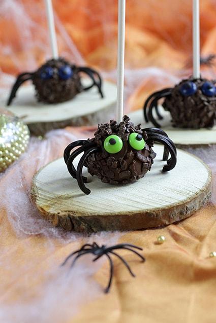 Pop-cakes araignée chocolat recette Halloween LA PATELIERE
