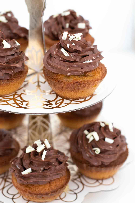 cupcake banane chocolat copeaux blancs LA PATELIERE