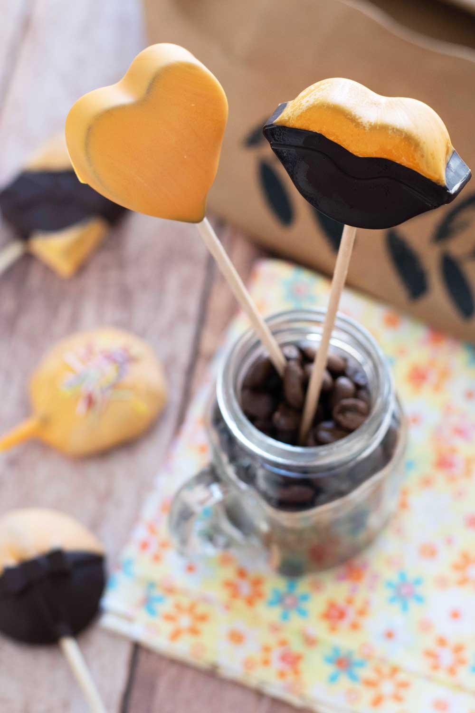 sucettes bonbons chocolat à pâtisser orange chocodesign LA PATELIERE