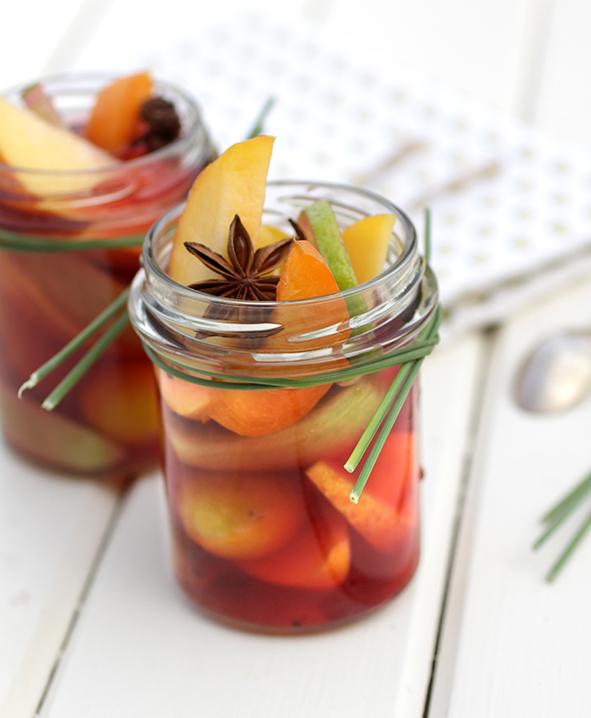 Infusion glacée aux fruits, badiane et açaï